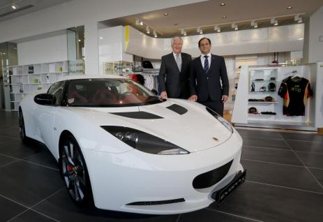Official Opening of Lotus Dubai - left Mr Len Hunt President – Automotive, Al-Futtaim Group and right Mr Aslam Farikullah Chief Operating Officer, Group Lotus plc